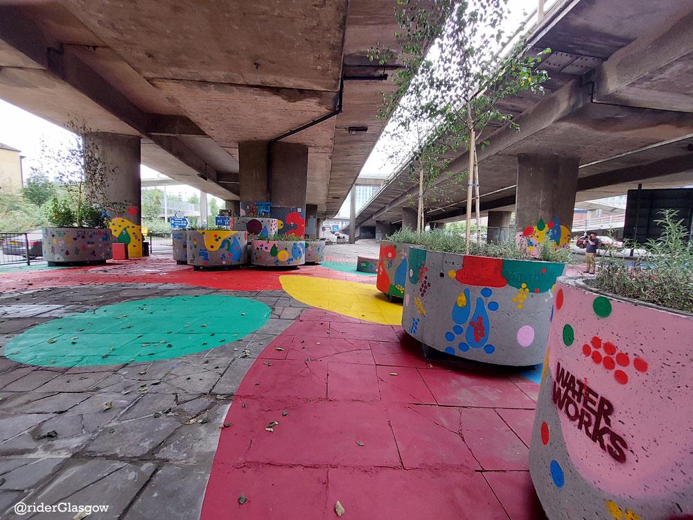 VIBRANT Splash Of Colour 'Prevails' At M8 Concrete Jungle